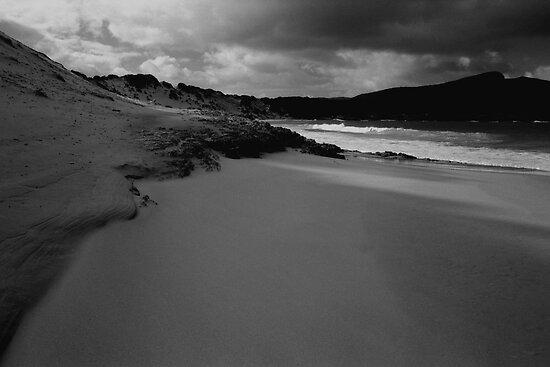 Crescent Bay, Tasman Peninsula by John  Cuthbertson   www.johncuthbertson.com