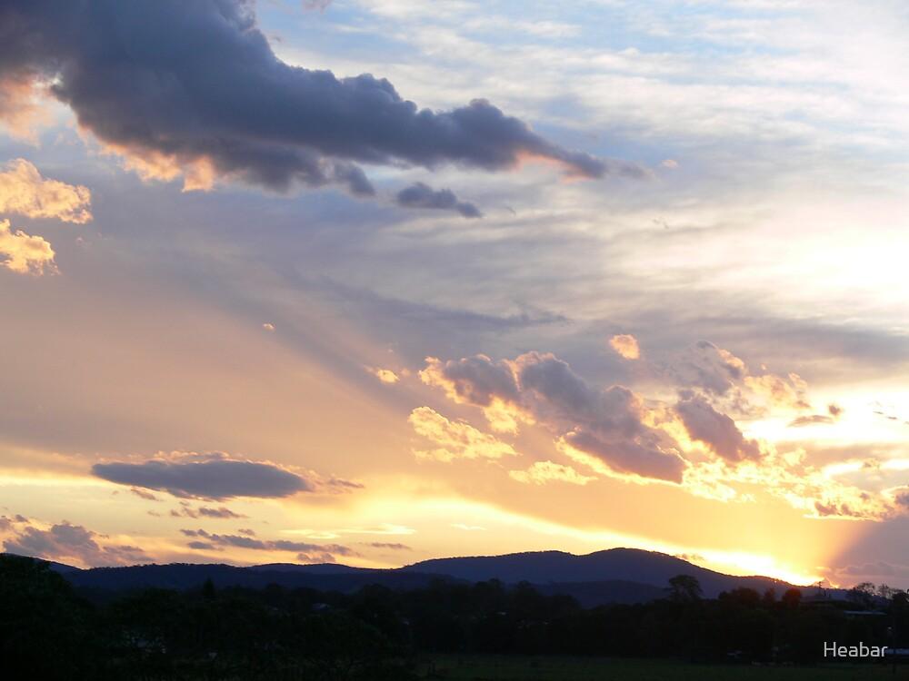 Begining of a beautiful sunset  by Heabar