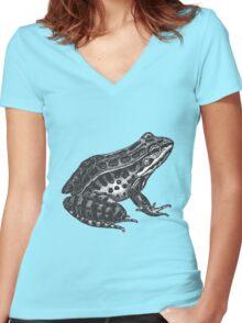 Pickerel frog Women's Fitted V-Neck T-Shirt