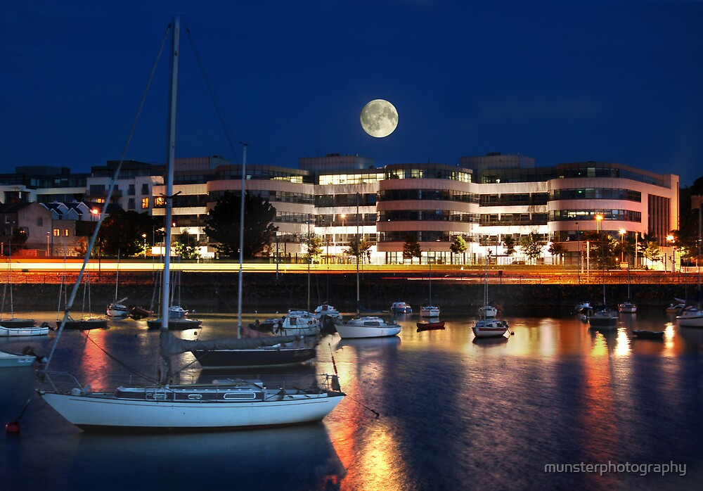 Dunlaoghaire Night by munsterphotography