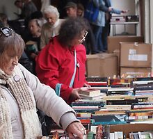 Choosing books Clunes Book Festival Victoria by jackgreig