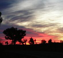 desert sundown in Yulara by newms