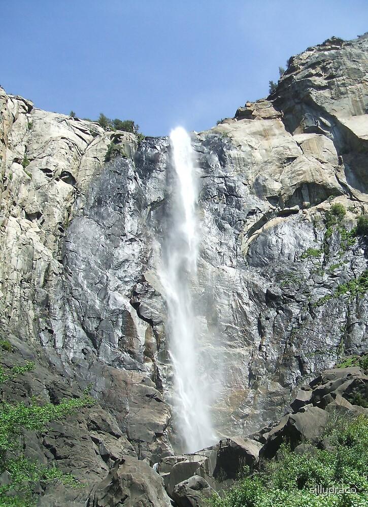 Yosemite Falls by sillydraco