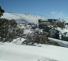 Blue Skies at Mt Hotham by joolz