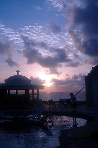 Poolman at Sunrise, Cancun by sasi