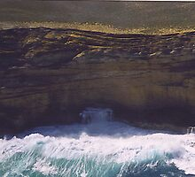 Cliffs off Shark Bay. by Rosy