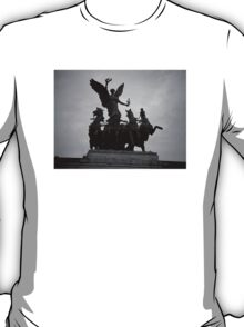 Atop the Wellington Arch T-Shirt