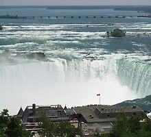 Niagara Falls by enajaluap