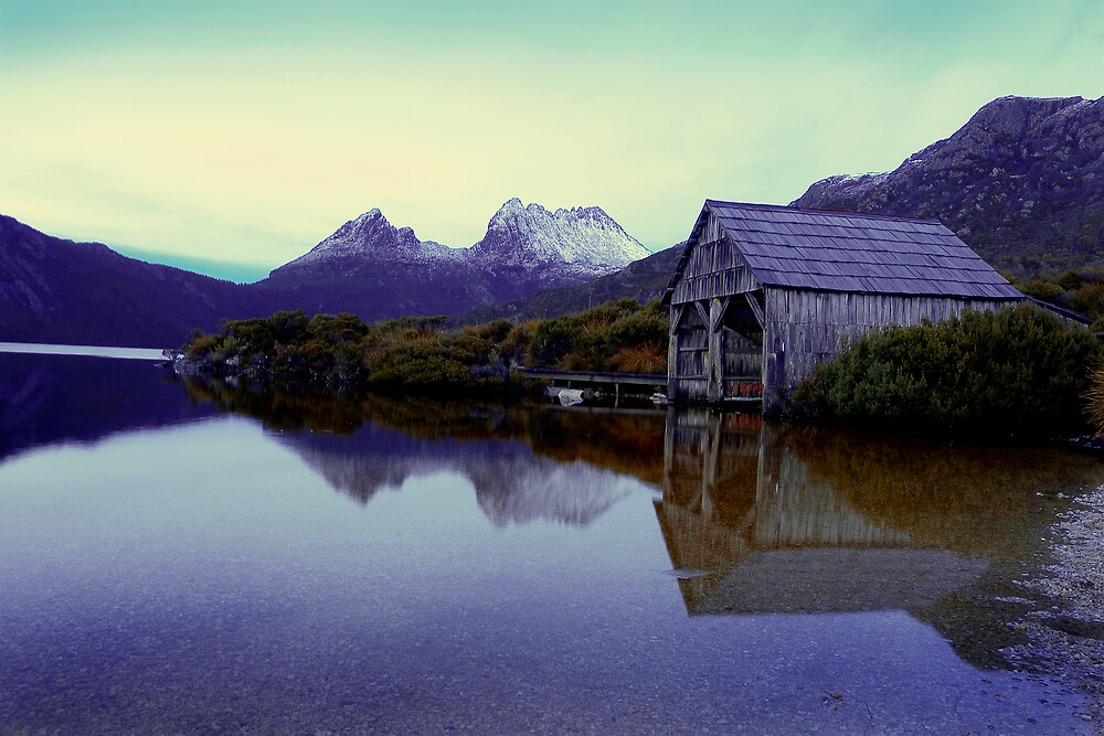 Boat Shed @ Cradle Mountain by Terence Chan