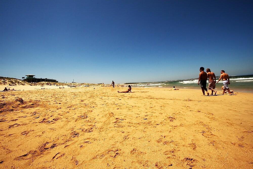 Strolling down Cronulla Beach by Daniel  Speranza