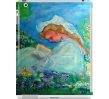 Little Girl Reading in the Garden Decor & Gifts iPad Case/Skin