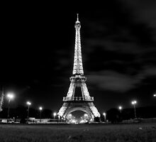 Eiffel Tower at Night - Paris by Lynchie