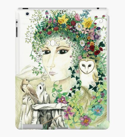 Blodeuedd, Celtic woman of owls and flowers iPad Case/Skin