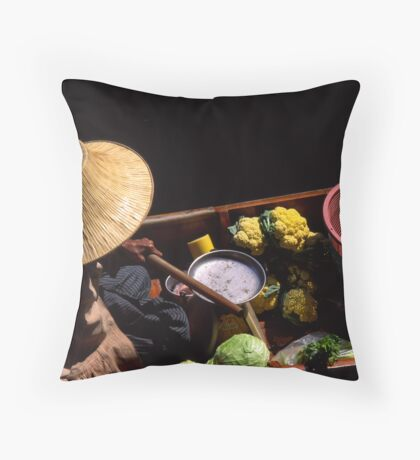 Veggie vendor Throw Pillow