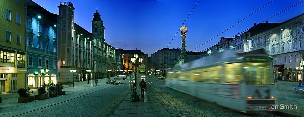 Hauptplatz Tram Linz by Ian Smith