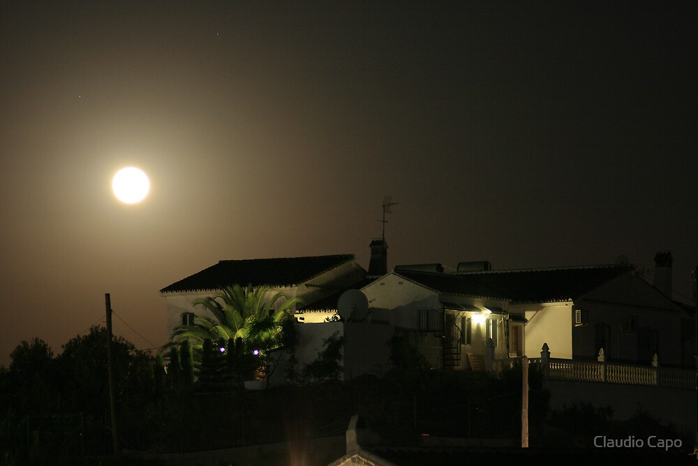 Full Moon by Claudio Capo