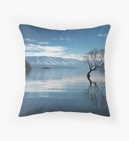 Lake Wanaka in Winter Throw Pillow