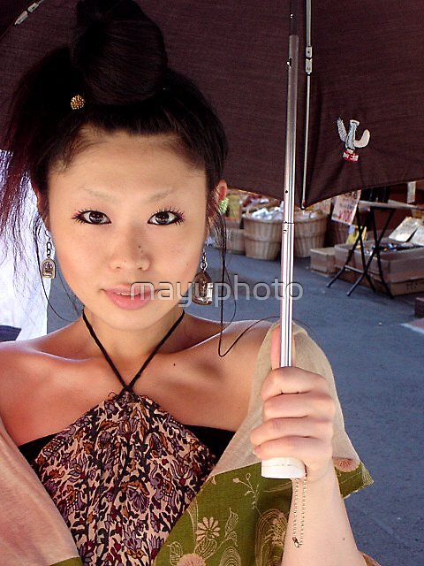 Girl in Chinatown by mayuphoto
