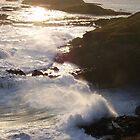 Crashing waves by andrealjc
