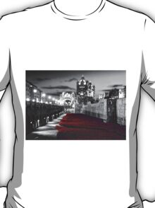 Tower Bridge and the Ceramic Poppies BW T-Shirt