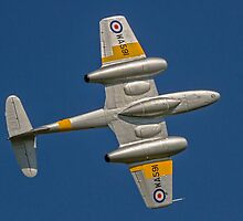 Gloster Meteor T.7 WA591 G-BWMF barrel rolling by Colin Smedley