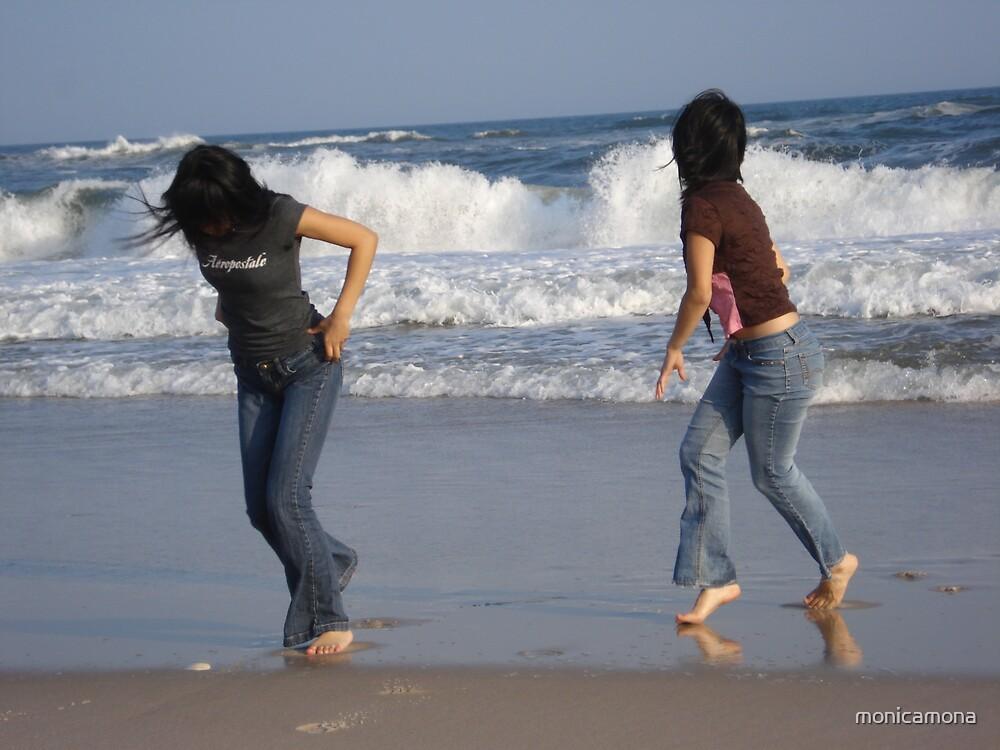 avoiding the waves by monicamona