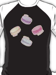 French Macaron Pattern - raspberry, pistachio, lemon & blueberry T-Shirt
