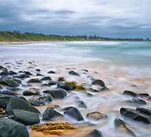 On the rocks Saltwater 01 by kevin chippindall