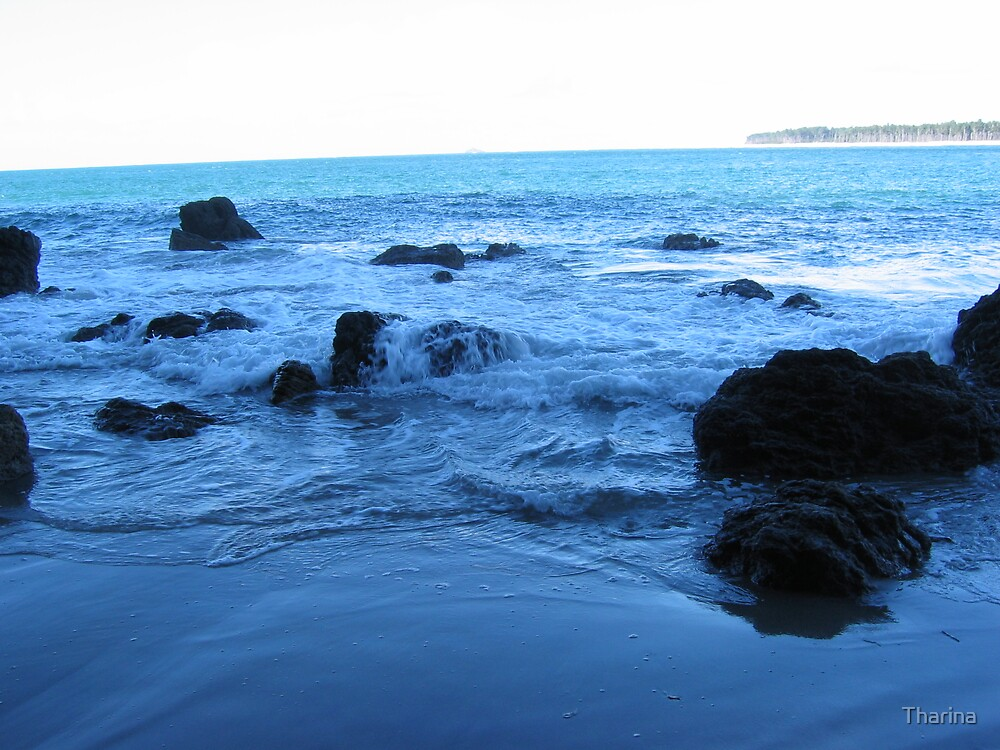 Blue water by Tharina