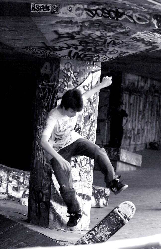 London Skater  by lotusboat
