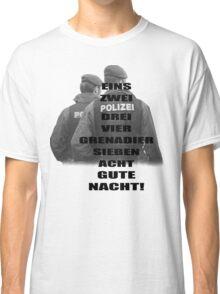 EINS ZWEI Classic T-Shirt