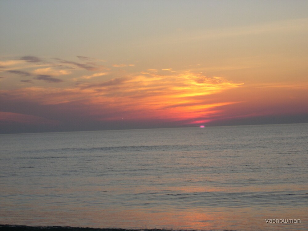 Va Beaach sunrise by vasnowman