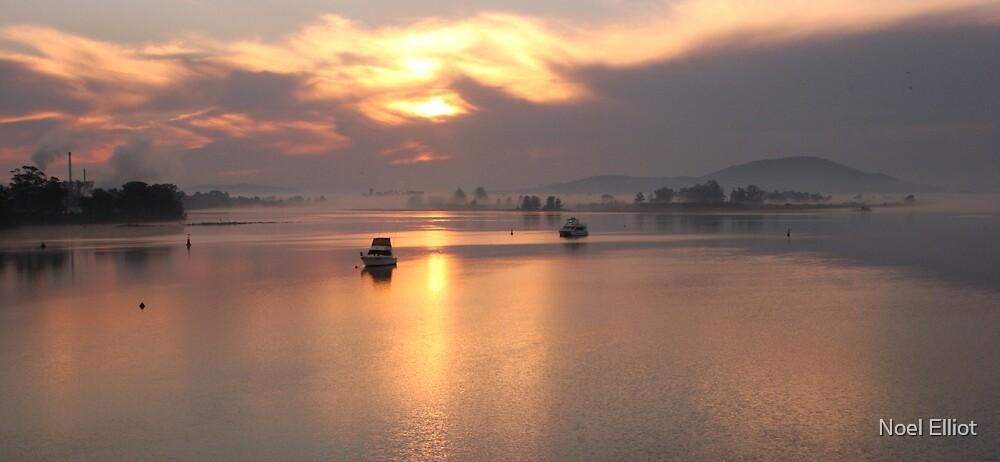 Shoalhaven Sunrise by Noel Elliot