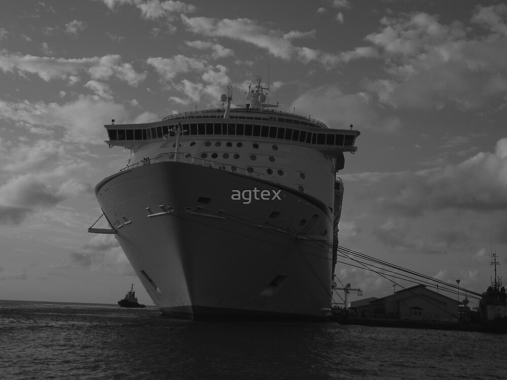 ship at rest by agtex