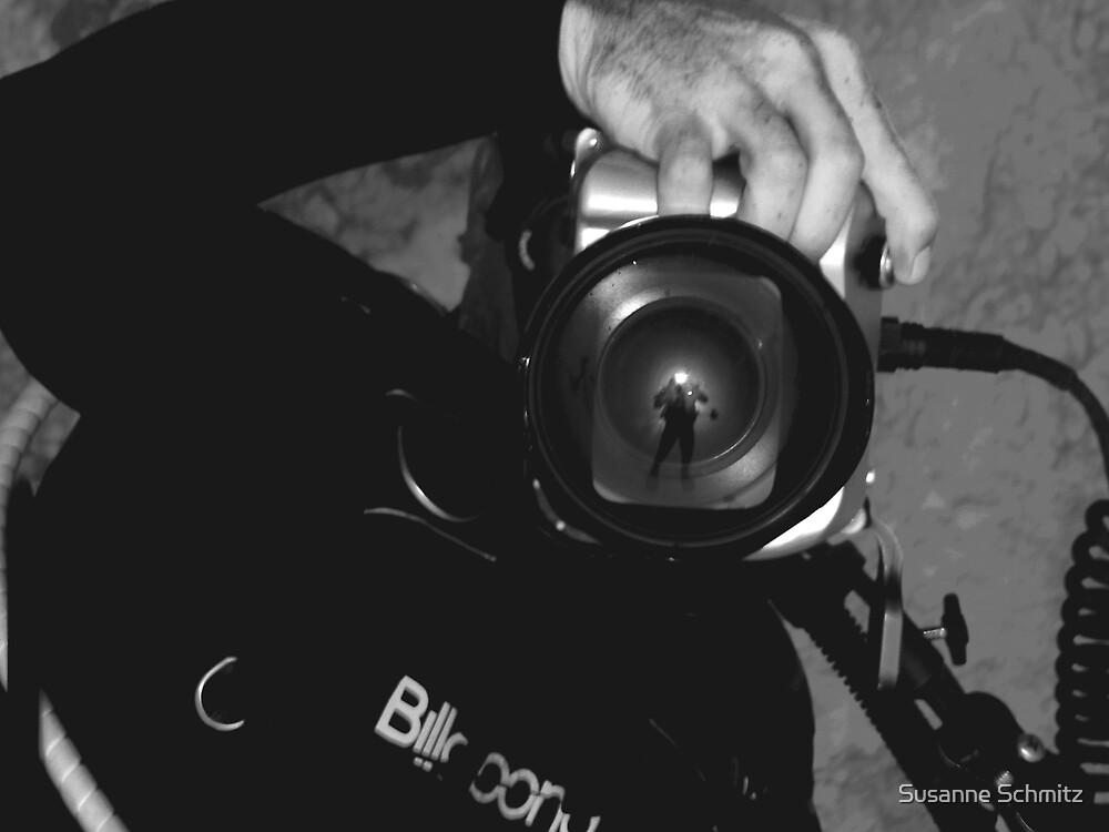 shoot the cameraman by Susanne Schmitz