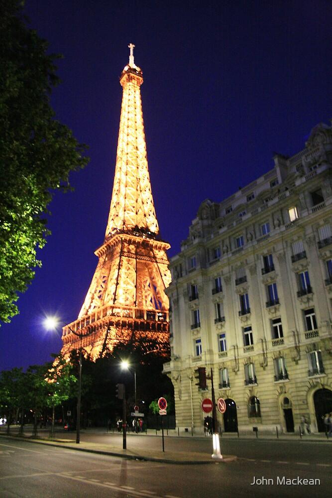 Le Eiffel by John Mackean