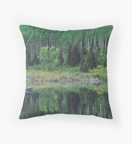 Drifting boat Throw Pillow