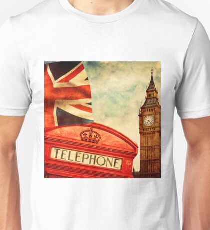Red telephone booth and Big Ben in London, England Unisex T-Shirt
