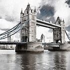 Tower Bridge by oreundici