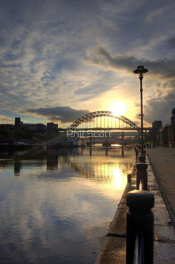 Tyne Bridge by Phil Scott