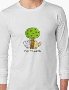 Love the earth Long Sleeve T-Shirt