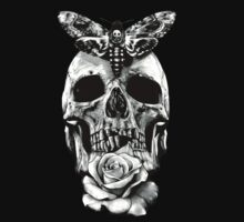 TATTOO - Butterfly on skull T-Shirt