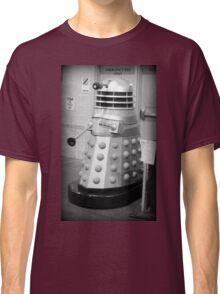 Old Fashioned Dalek Classic T-Shirt