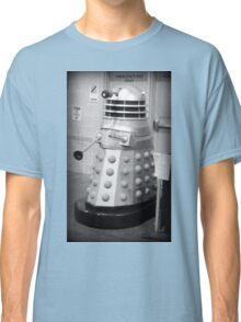 Old Fashioned Dalek Classic T-Shirt
