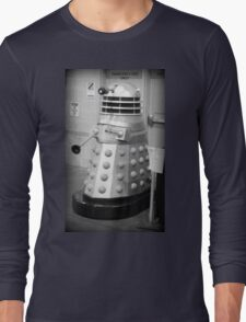 Old Fashioned Dalek Long Sleeve T-Shirt