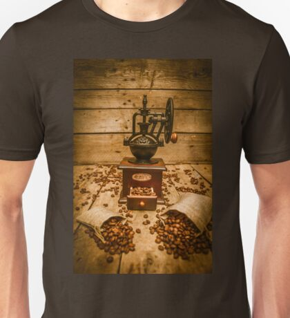 Vintage Manual Grinder And Coffee Beans Unisex T-Shirt