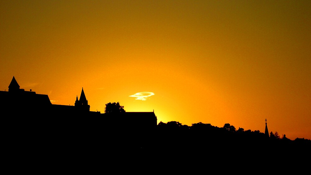 Sunset over Budapest by chartling