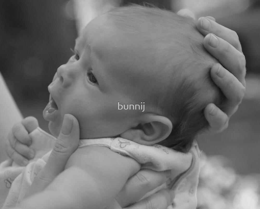 Loving Hands by bunnij