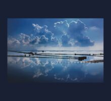 Mirroring the clouds - Messolonghi lagoon T-Shirt