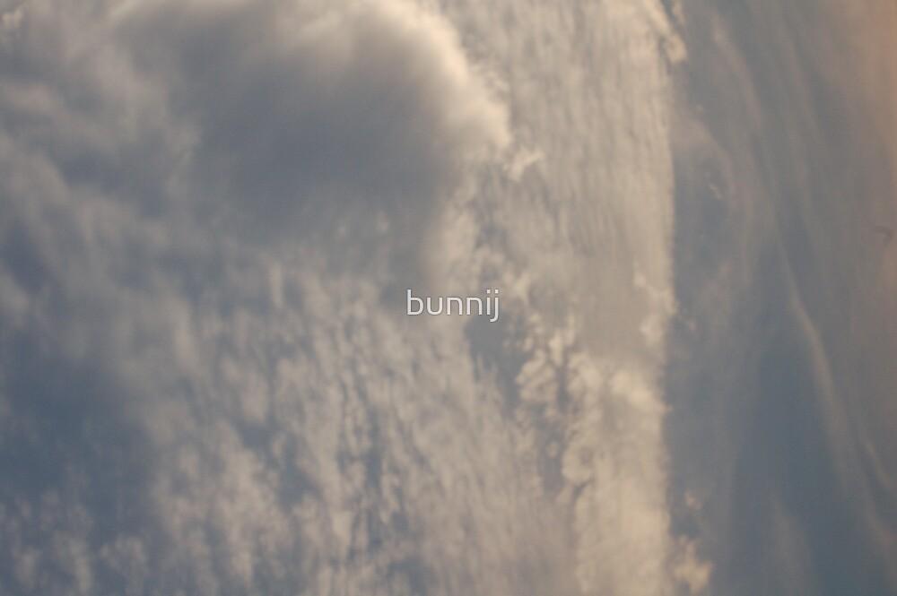 Cloud Surge by bunnij